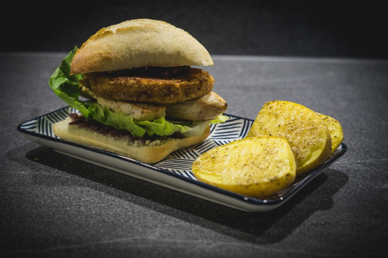 chicken-burger-zwiebel-chutney-5